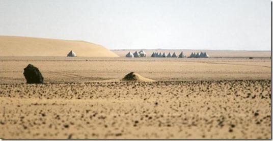 stonehenge saara thumb Um Stonehenge no Saara