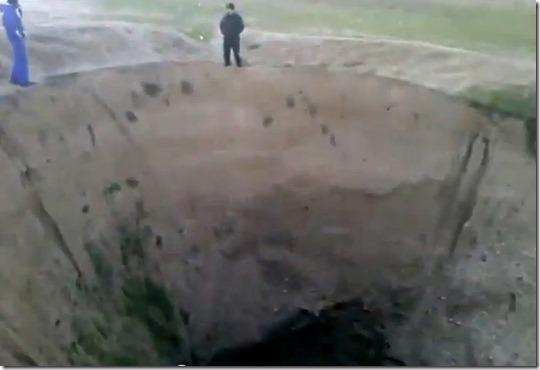 buraco-gigante-russia