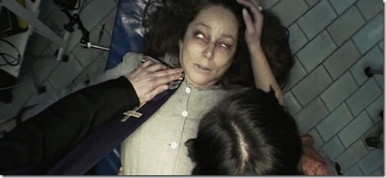 a filha do mal thumb Mulher afirma estar possuída por vítima de assassinato