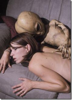 alien sexo thumb A questão do sexo em casos ufológicos