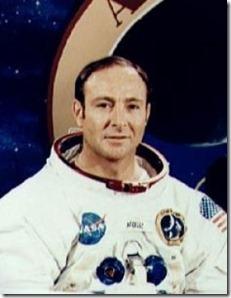 edgar mitchell thumb Astronauta da NASA diz que extraterrestres visitam a Terra com frequência