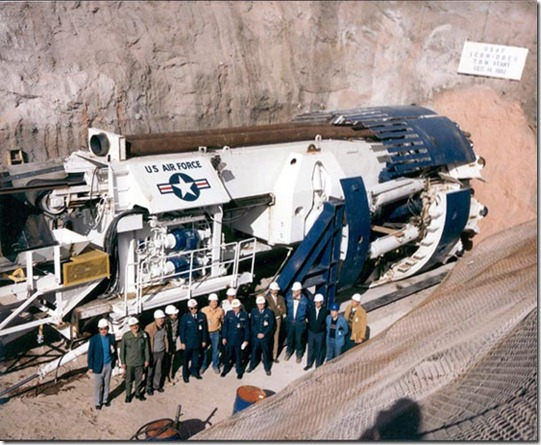eua air force thumb Geólogo do governo dos EUA afirmava ter encontrado uma base alienígena