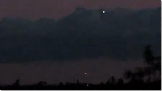 ufo california thumb UFOs são avistados sobre Oroville, Califórnia