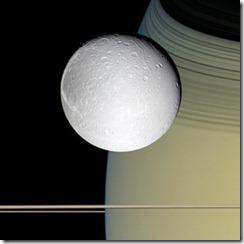 lua saturno thumb Oxigênio descoberto ao redor de lua de Saturno