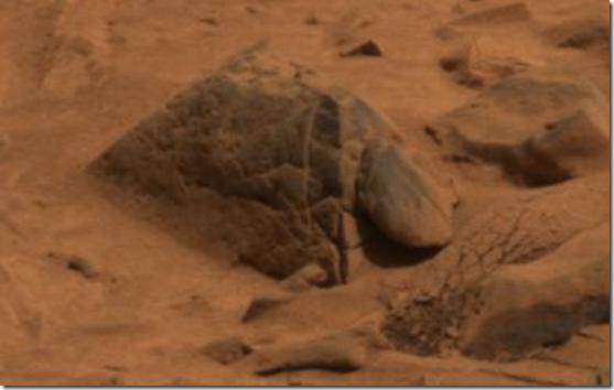 piramide alienigena thumb Pirâmide alienígena descoberta em Marte