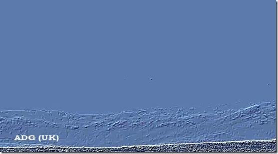 ovnis marte2 thumb Fotos do rover Curiosity mostram OVNIs e anomalias em Marte