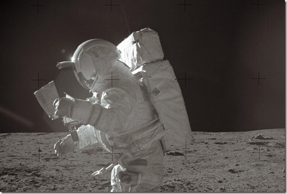 edgar mitchell thumb Astronauta Edgar Mitchell pede o fim dos acobertamentos sobre OVNIs