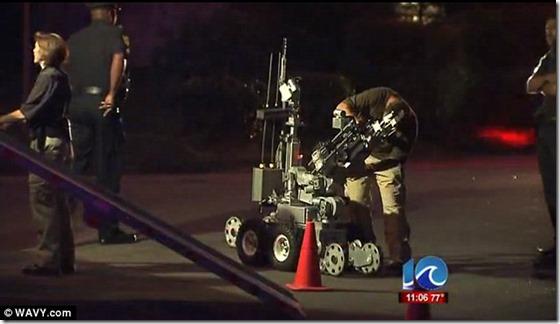 ovni norfolk robo thumb Militares e NASA evacuam cidade após OVNI cair do céu em Norfolk, Virginia