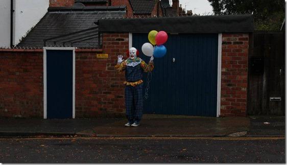 palhaco inglaterra 2 thumb Palhaço assusta moradores de Northampton, Inglaterra