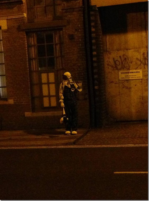 palhaco inglaterra 4 thumb Palhaço assusta moradores de Northampton, Inglaterra