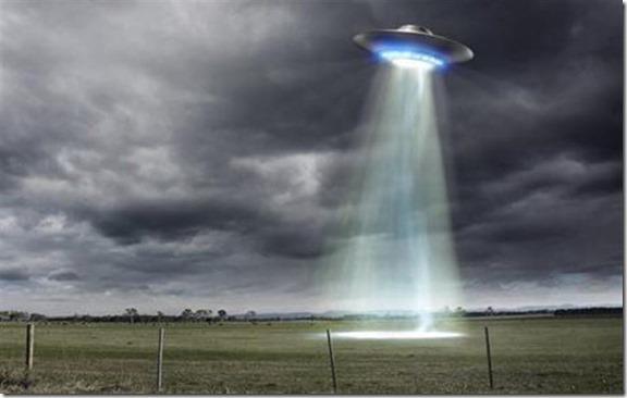 fenomeno ufo thumb Pessoas famosas que acreditam em ET e OVNIs