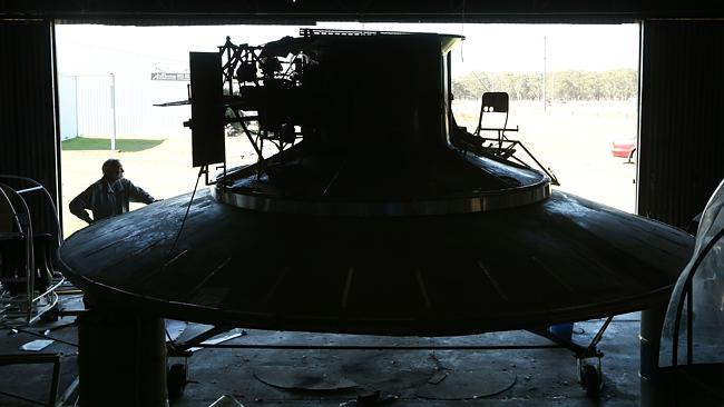 disco voador 3 Inventor está construindo seu próprio disco voador