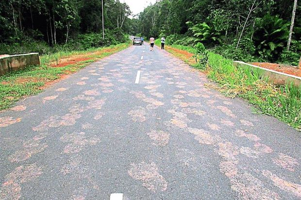 pegadas Misteriosas pegadas foram encontradas por mais de 1 km na Malásia