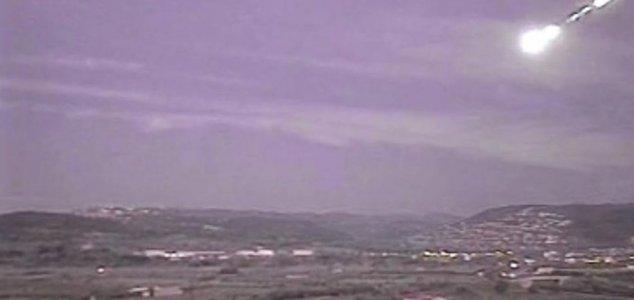 ovni faiscas Faíscas de OVNI causam pânico na Espanha