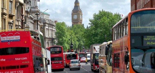 londres explosao Moradores do Reino Unido relatam misteriosas explosões