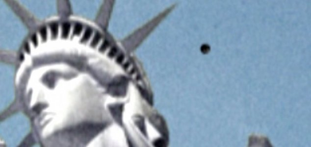 ovni-estatua-liberdade