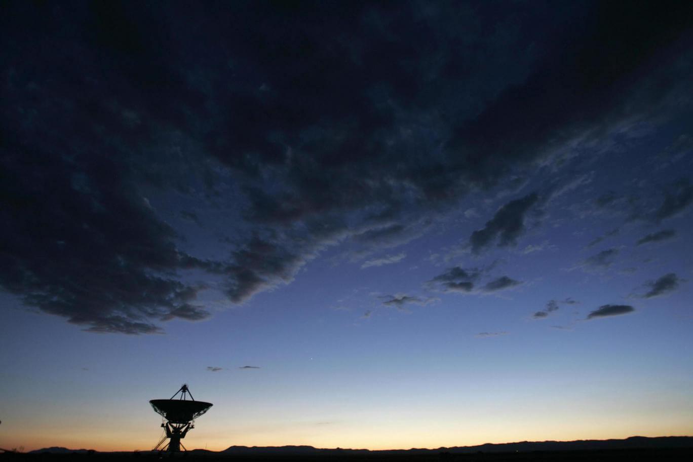 Alienígenas usam sinais de rádio?