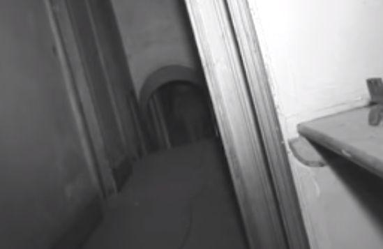 Programa de TV filma 'fantasma' em casa antiga