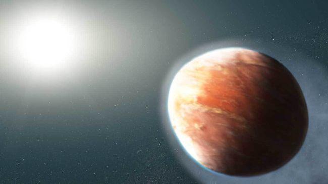 Planeta alienígena de metal pesado tem a forma de uma bola de futebol americano