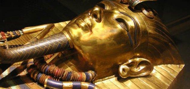 Varreduras de radar sugerem câmara escondida em tumba do Rei Tut